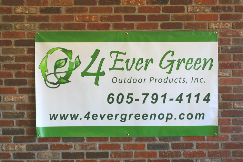 Vinyl Banner Printing - Vinyl banners with grommets